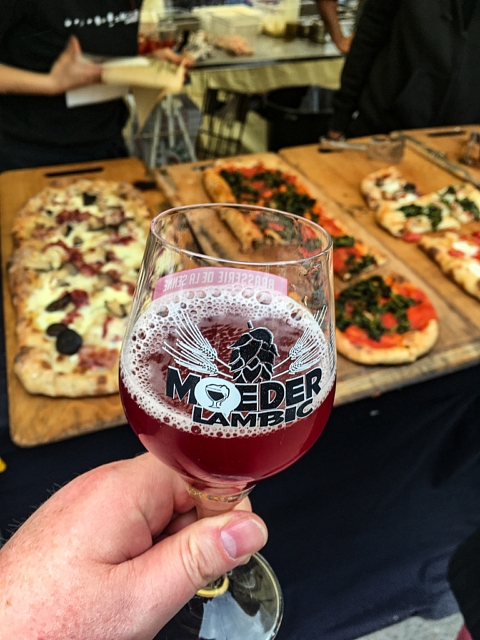 Pizza by Francisco Oppido @ Moeder Lambic Fontainas